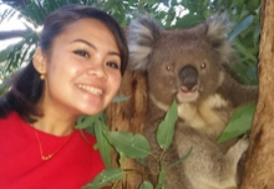 Get up close and personal to this Australian icon. Feeding a koala is an amazing Australian experience.